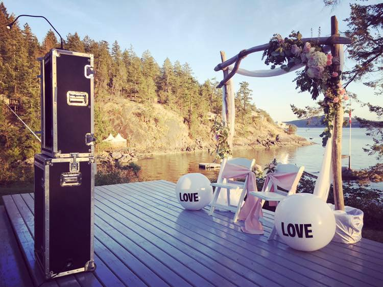 Photobooth Rentals for Weddings, Christmas parties, reunions or