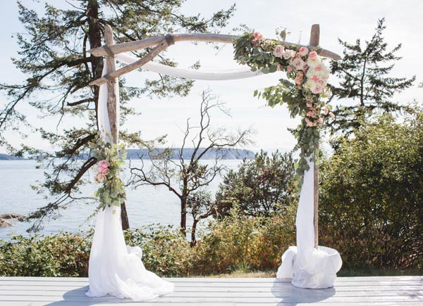 Rentals are available to Coastal Weddings clients who have purchased a decorating or planning package